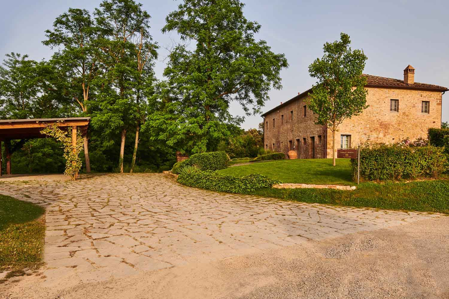 I Bianchi is a meticulously restored farmhouse in Tuscany
