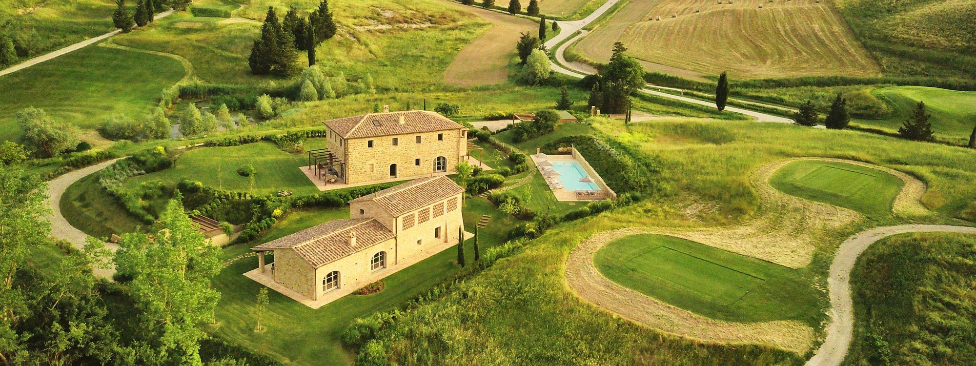 Restored farmhouse for sale in Castelfalfi, Tuscany