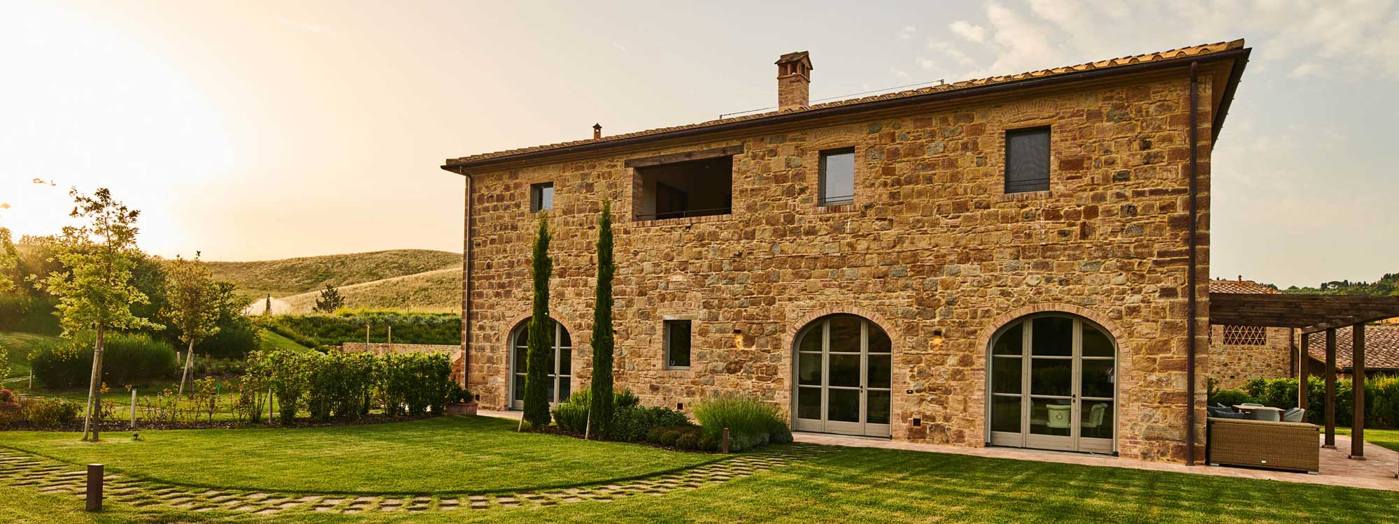 La Spina B, beautiful Tuscan farmhouse immersed in award-winning golf course with amazing sunset views